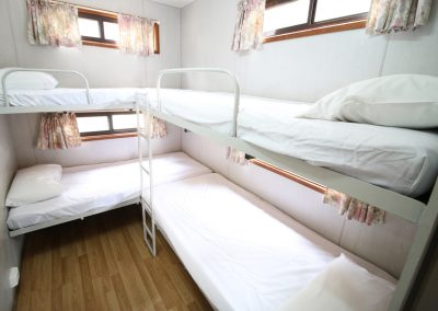 Deluxe-2-Bedroom-Bunk-Beds